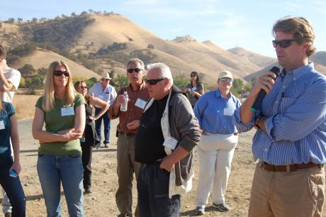 Thad Bettner speaks to tour group at Sites Reservoir site